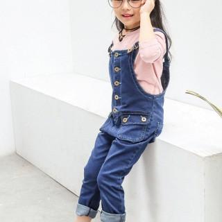女童可爱蓝色背带牛仔裤